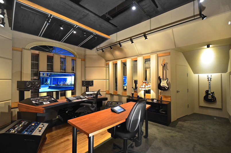 Custom Designed Studio: Cool Springs Mix